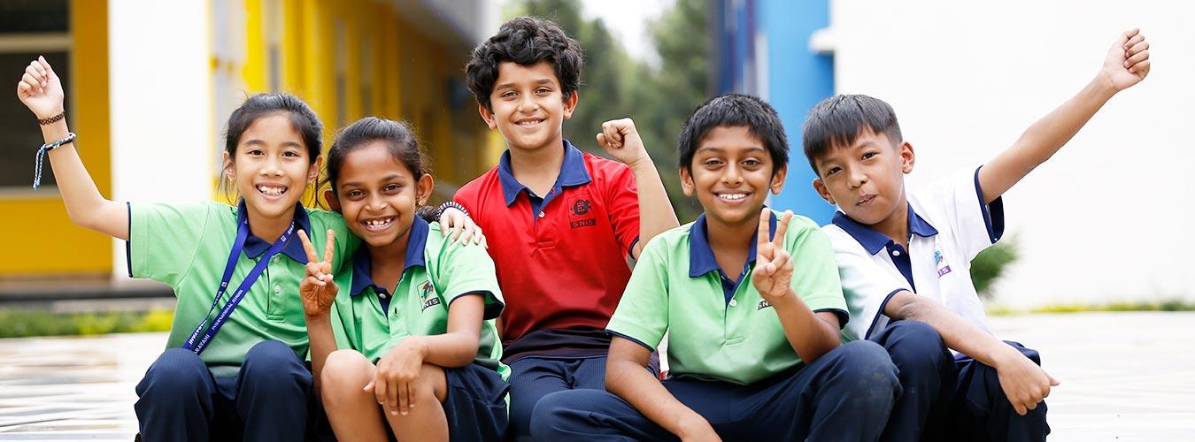 SNIS Happy Students